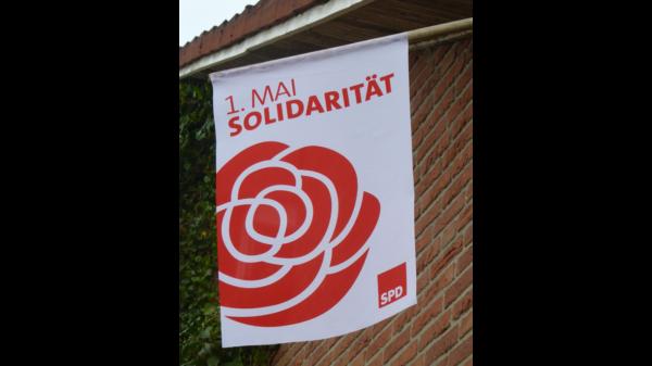 """Flagge """"Solidarität"""" zum 1. Mai"""